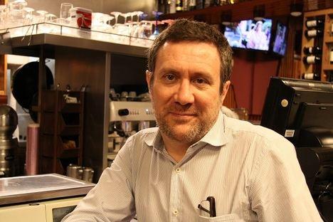El escritor madrileño Luisgé Martín se hace con el Premio Herralde de Novela 2020