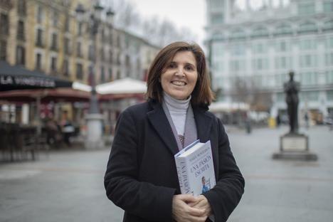 """Entrevista a María Montesinos: """"Hay que rescatar del olvido a las mujeres de siglo XIX"""""""