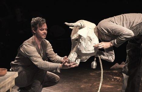 Tolo Ferrà adapta a escena el segundo cuento de Los girasoles ciegos, evocando el terror que se vivía en la posguerra