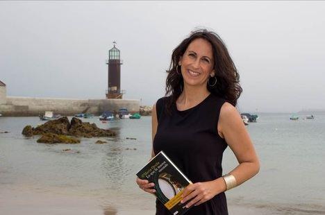 María Oruña regresa a la serie de Puerto Escondido con