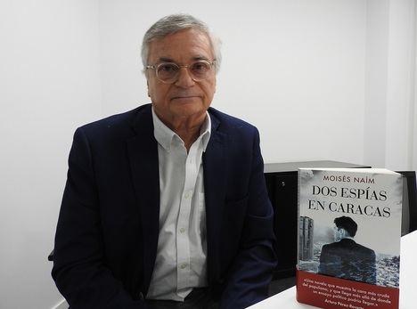 """Entrevista a Moisés Naím: """"La presencia de Cuba en Venezuela es notoria"""""""