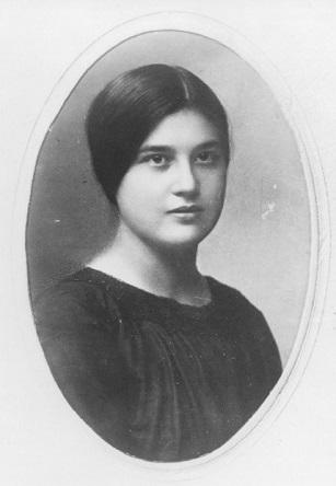 María Moliner en sus tiempos de estudiante