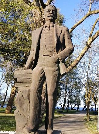 Monumento a Galdós en Santander