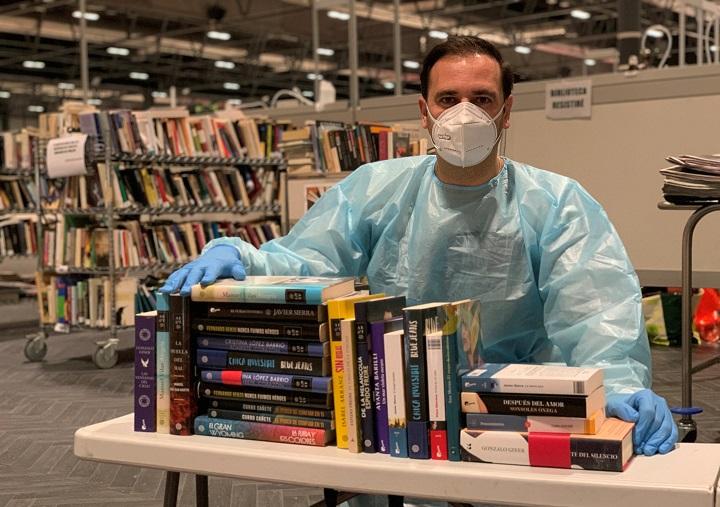 José Luis Molinero en la Biblioteca Resistiré