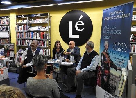 """José Luis Hernández Garvi presenta su libro """"Nunca fueron extraños"""""""