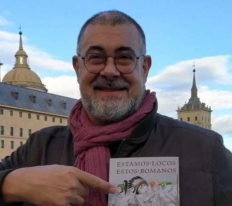 """Entrevista a Paco Álvarez: """"Roma está presente en nuestro día a día, de maneras tan curiosas que no nos damos ni cuenta"""""""