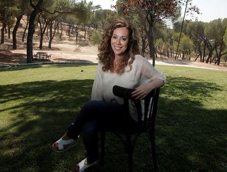 """Entrevista a Raquel Martos: """"Mi novela es una metáfora perfecta de todo aquello que vamos perdiendo en la vida"""""""