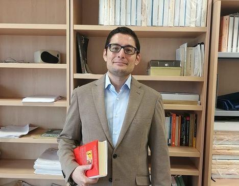 """Entrevista a Roberto Villa García: """"Hasta la publicación de este libro no se conocía lo que sucedió en nuestra revolución de 1917"""""""