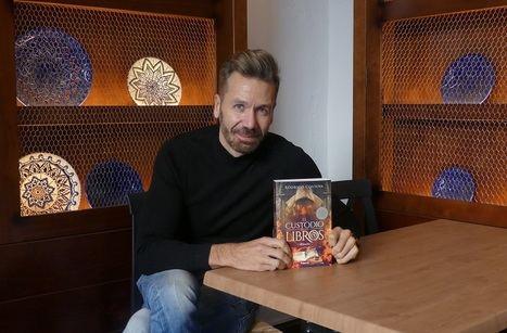 """Entrevista a Rodrigo Costoya: """"Úbeda nos ha facilitado un trampolín para que mis obras lleguen a la mayor cantidad de lectores"""""""