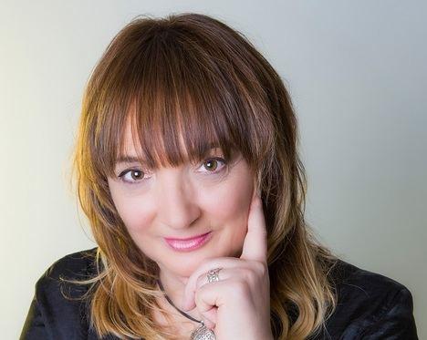 """Entrevista a Susana Rodríguez Lezaun: """"Me gusta darle un toque de verosimilitud a mis novelas, creo que ayuda a que el lector se sumerja en la historia"""""""