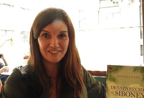 """Entrevista a Rosario Raro: """"Mi compromiso con los lectores es la verosimilitud"""""""