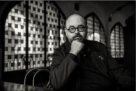 La ruta cultural de Montjuïc acoge la sepultura del escritor Carlos Ruiz Zafón