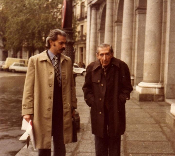 Santiago Sylvester con José Bergamín en Madrid en 1979