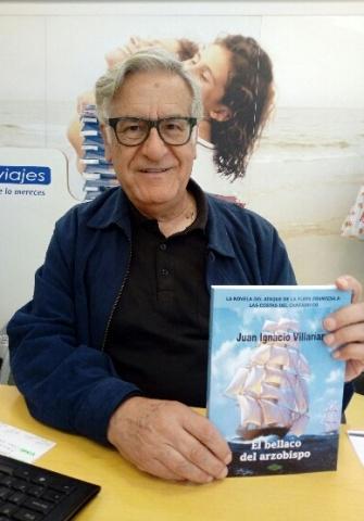 Juan Ignacio Villarías con su último libro
