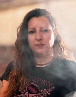 Ada Menéndez publica su quinto poemario
