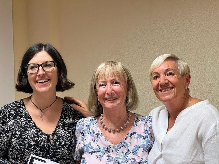 Paz Navarro, María García-Lliberós y Gloria Benito en la presentación de la novela