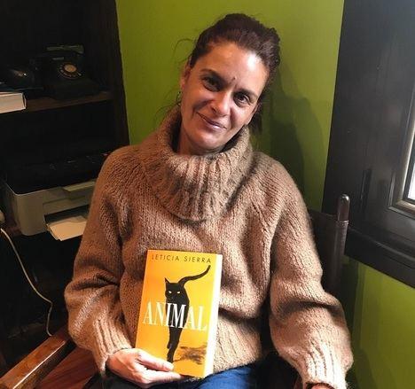 """Entrevista a Leticia Sierra: """"La honestidad literaria es más fácil de llevarla a cabo que la periodística"""""""