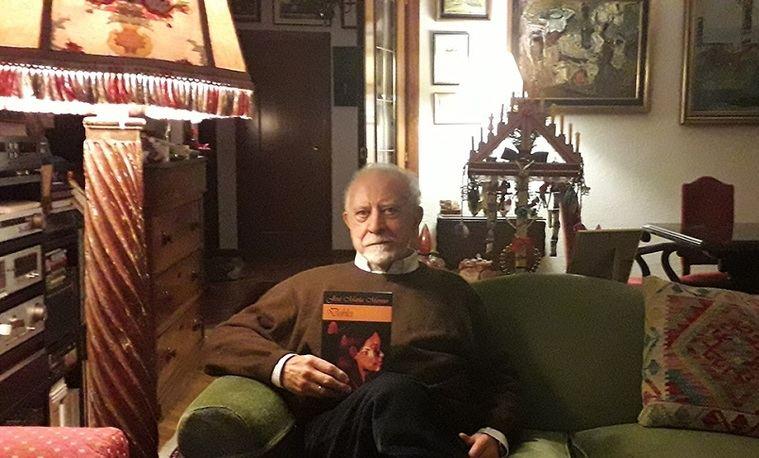 José María Merino en su casa