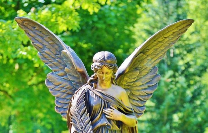 ¿Nos salvan los ángeles?