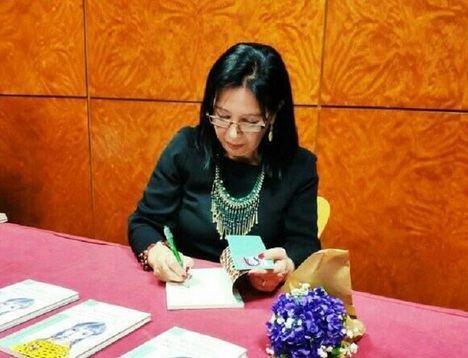 Entrevista a Mila Villanueva a propósito de su último poemario bilingüe castellano-Gallego