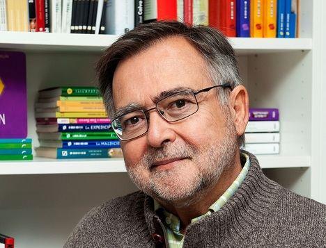 """José Calvo Poyato: """"El fracaso de nuestro sistema educativo afecta a la Filosofía y la Historia de forma particularmente grave"""""""