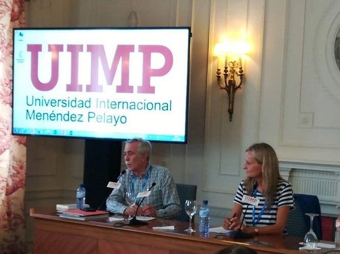 Antonio Pérez Henares e Isabel San Sebastián en el curso de la UIMP de Santander