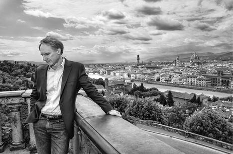 Dan Brown presenta en Madrid su última novela