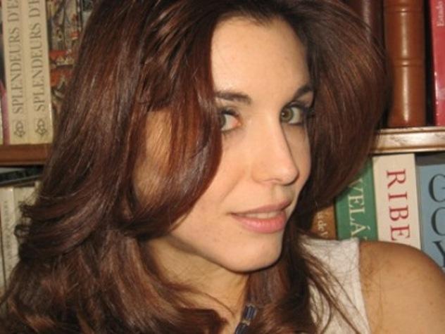La escritora y diplomática Helena Cosano, primera ganadora del Premio 'Agua y Viento' de Buitrago de Lozoya