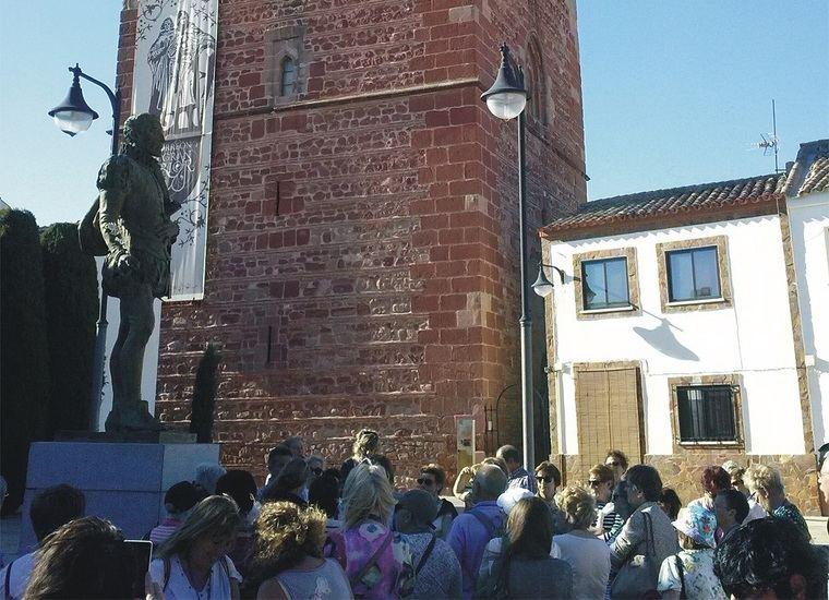 La asociación de alumnos 'Uribekostako Ikasle Helduak' de Sopelana realiza la ruta del Quijote con el Fórum Alonso Quijano