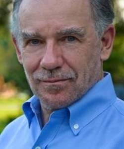 """Entrevista a Edward Rutherfurd, autor de las novelas históricas """"Nueva York"""" y """"Rusia"""""""