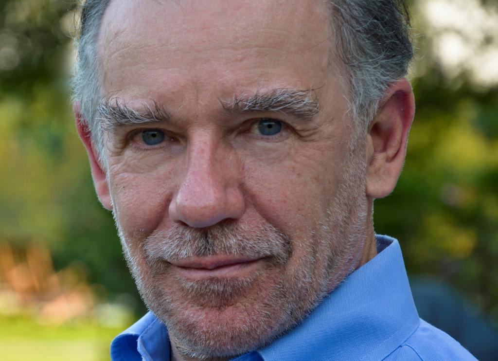 """El escritor Edward Rutherfurd recibirá el Premio de Honor del XI Premio Internacional de Novela Histórica """"Ciudad de Zaragoza"""""""