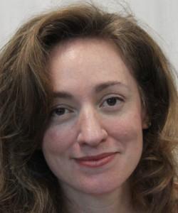 """Entrevista a Julia Montejo, autora de """"Lo que tengo que contarte"""""""