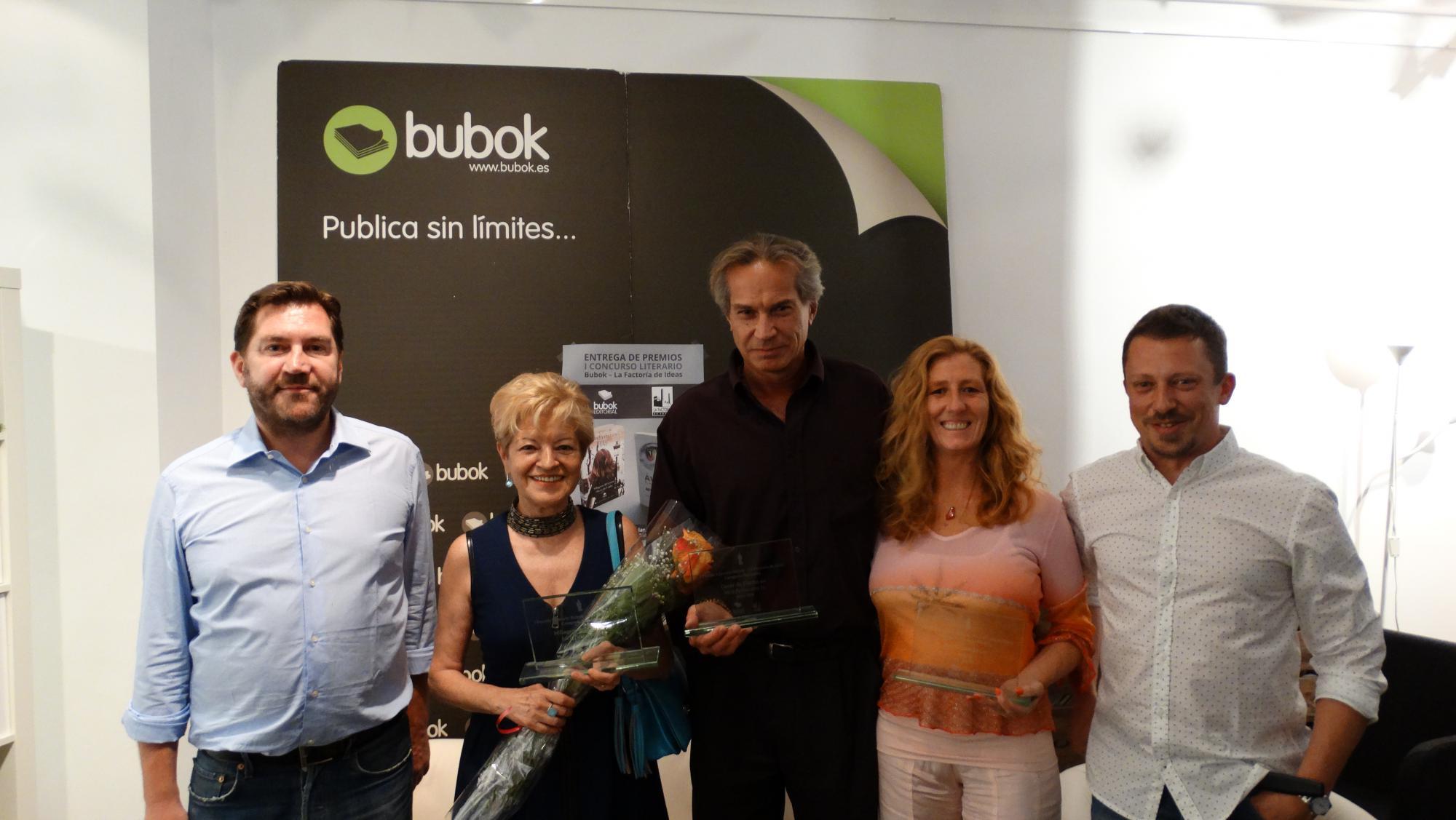 Milagros del Corral, Oscar Da Cuhna y Estela Davila reciben el Premio Literario Bubok-La Factoría de Ideas