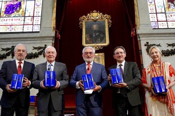 Los directores de la Real Academia y del Instituto Cervantes han presentando la nueva edición de DON QUIJOTE DE LA MANCHA, revisada y dirigida por Francisco Rico