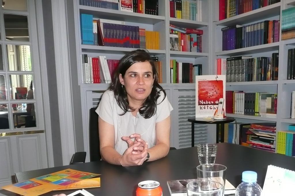 Carolina Sanín presenta en España su novela