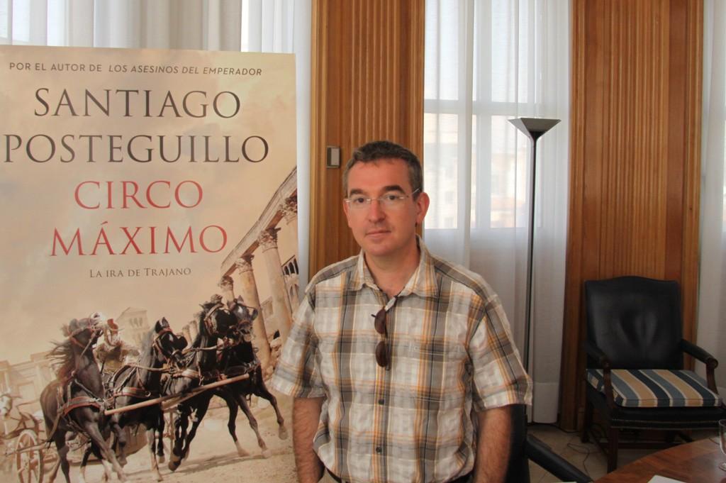Santiago Posteguillo, el autor español más vendido de novela histórica, ha sido elegido escritor del año 2015 por la Generalitat Valenciana