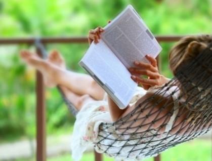 Siete de cada diez españoles sigue eligiendo el papel para sus lecturas