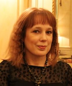 """Entrevista a Ángela Vallvey, autora de """"El arte de amar la vida"""""""