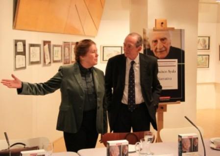 Carolyn Richmond y José Manuel Blecua en la presentación del libro
