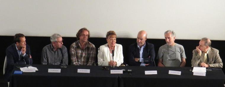 De izquierda a derecha, Adolfo Blanco, Sacristán,  Estelrich, Gemma Cuervo, Resines, F. Trueba y Fernando Lara