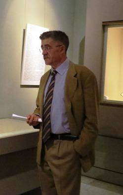 El Comisario de la exposición Juan Antonio Yeves