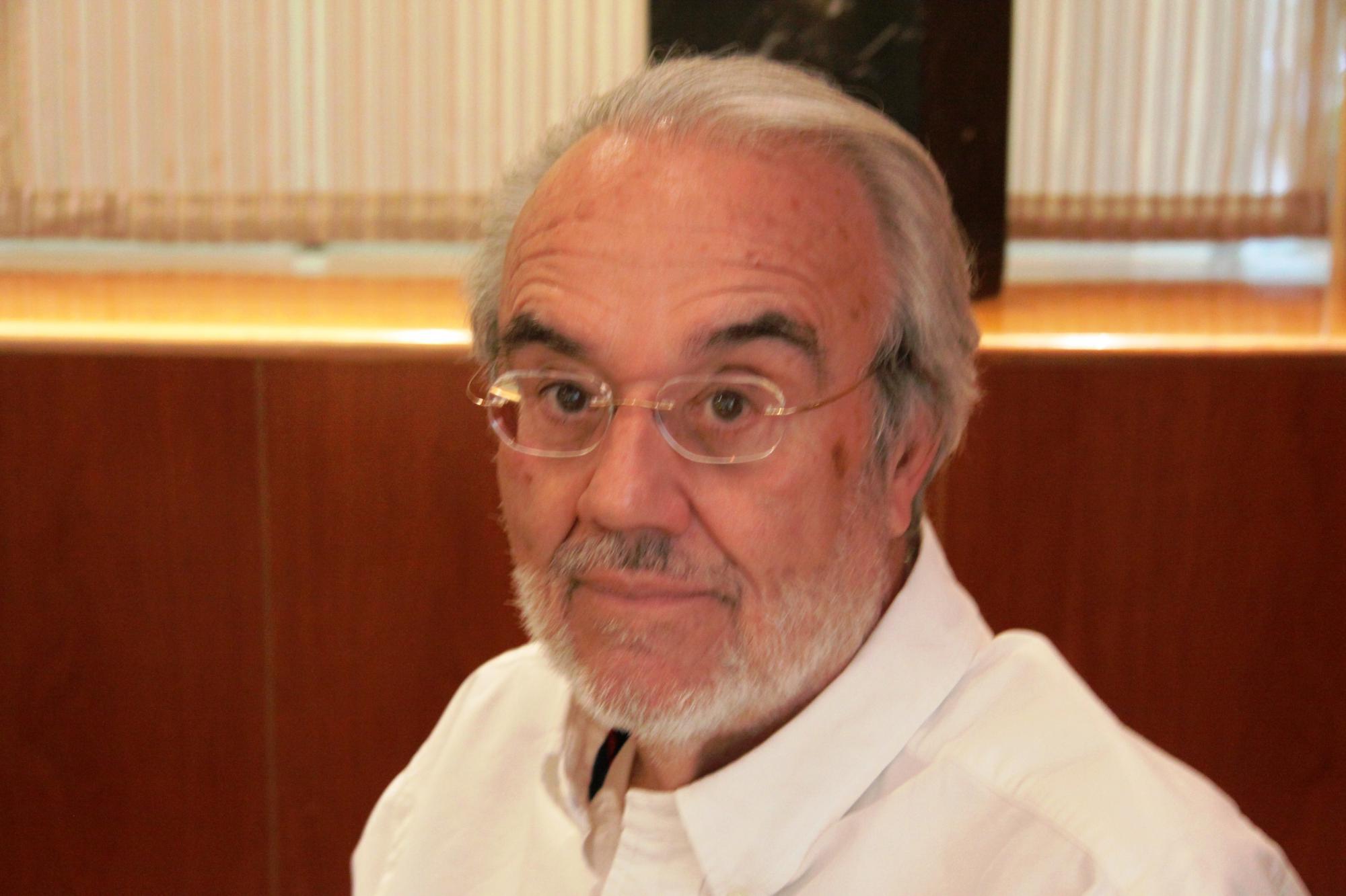 Manuel Gutiérrez Aragón publica