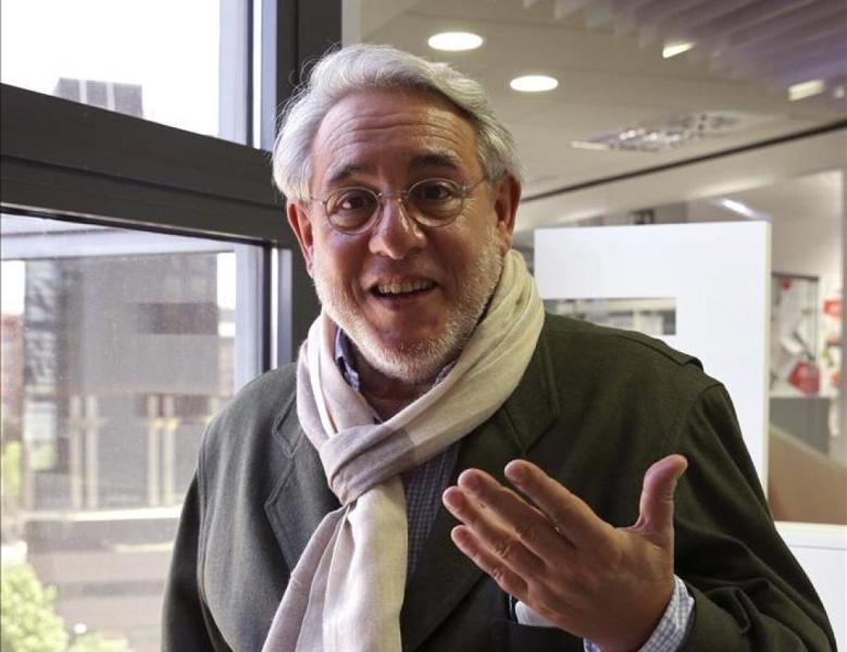 Manuel Ayll�n