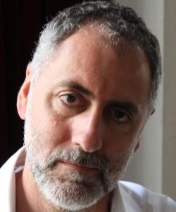 """Entrevista a Mikel Alvira, autor de """"La novela de Rebeca"""""""