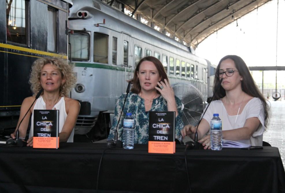 """La escritora británica Paula Hawkins presenta en Madrid """"La chica del tren"""""""