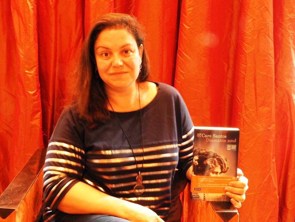 "Entrevista a Care Santos, autora de ""Diamante azul"""