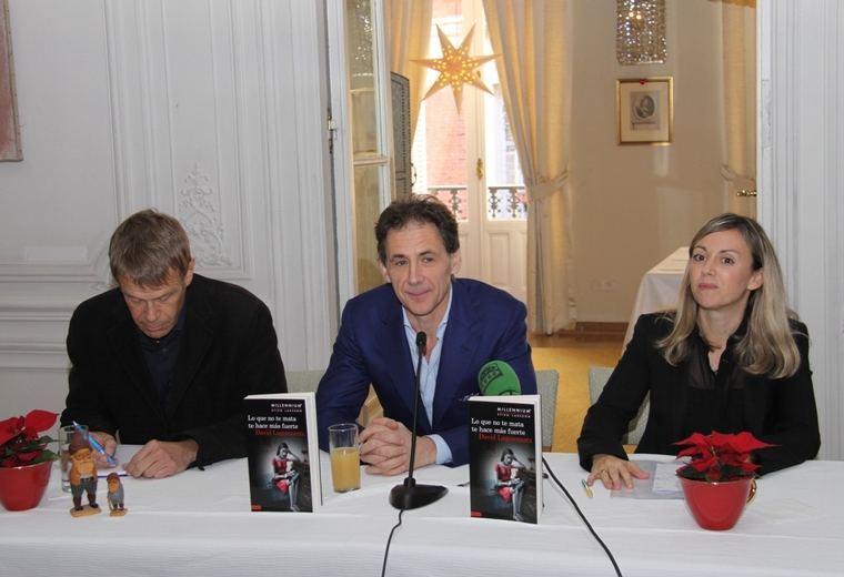 David Lagercrantz junto a Miriam Vall