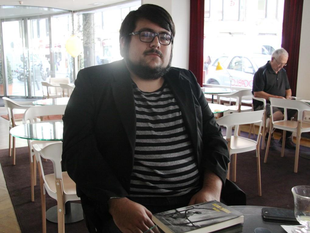 """Entrevista a Diego Zúñiga, autor de """"Racimo"""""""