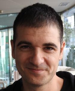 """Entrevista a Eloy Moreno, autor de """"El regalo"""""""