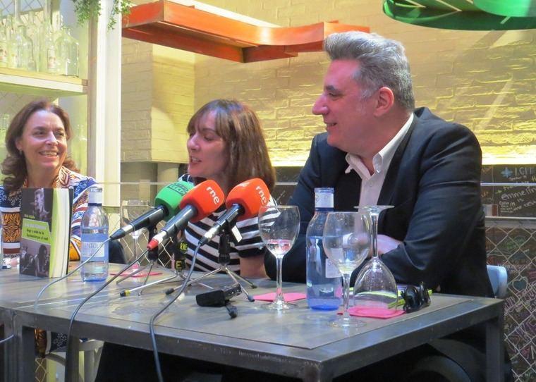 """Ana Gavín, Directora de la Fundación José Manuel Lara, Silvia Grijalba y """"Loquillo"""""""